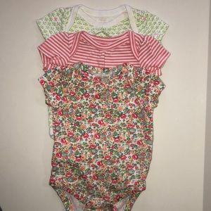 Lot of 3 Baby Gap onesie bodysuits
